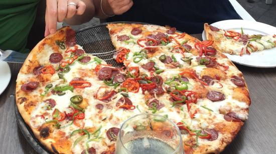 پیتزا فروشی شهر گرینه